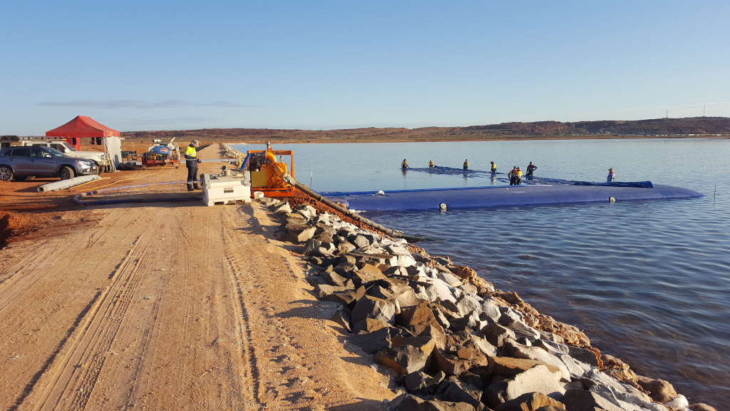 Installing_aqua_barriers_on_Dampier_Salt_Project_001small_Apex_Envirocare